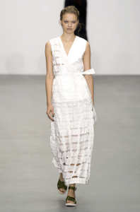 white-on-white-runway-trend-london-white-on-white-runway-trend-Raeburn
