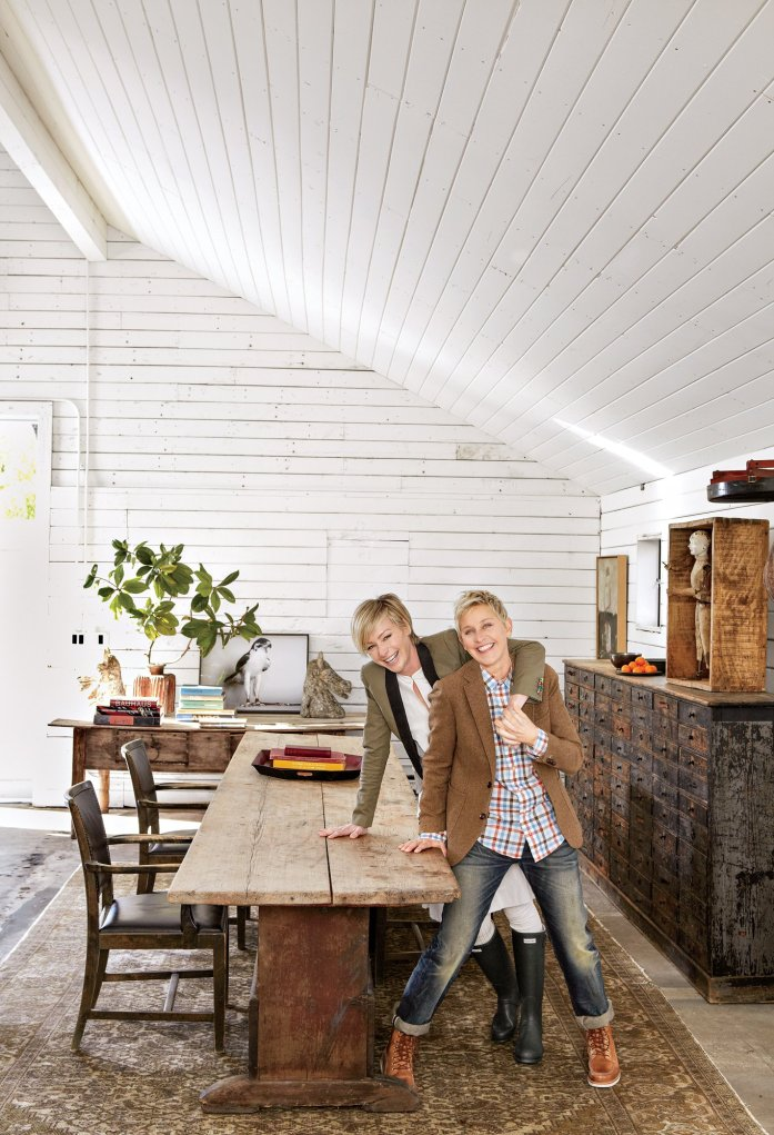 ellen-degeneres-home-book-dining-room