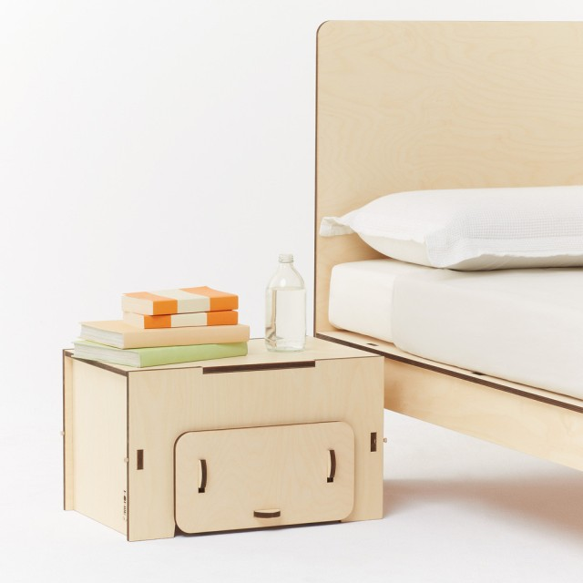 plyroom-sustainable-wood-side-table