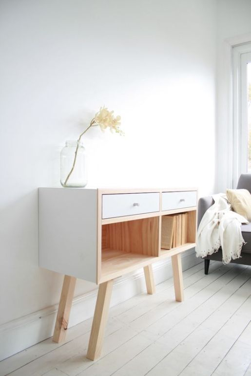 decluttering-desk-table-tips