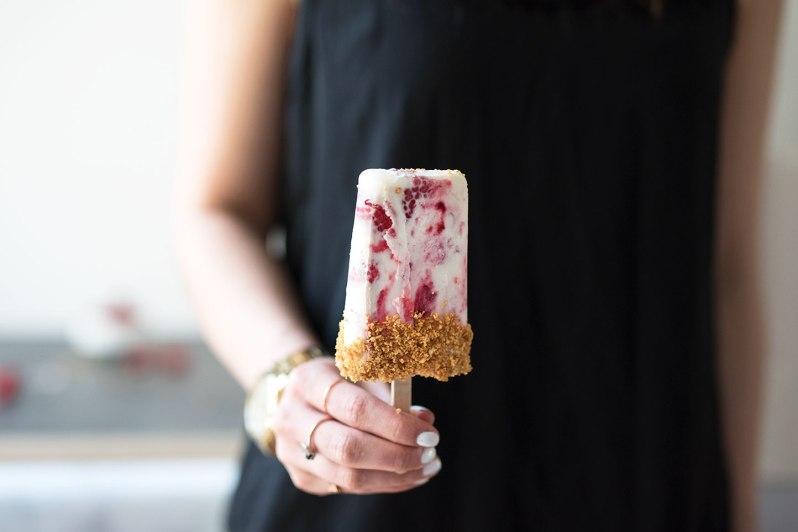 Raspberry-Cheesecake-Popsicles