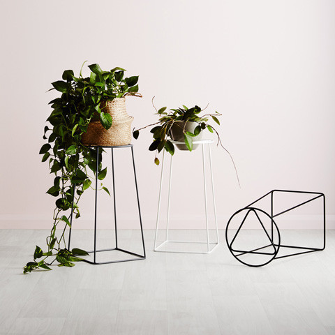 ive-muse-plant-stand-geometric-square-black